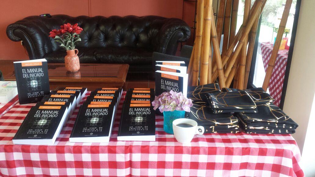 El primer libro de Miguel Valls llegó a Colombia